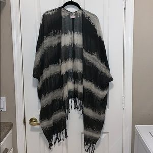 Free People kimono. Charcoal gray and off white.